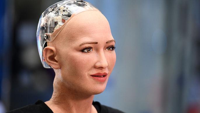 Человекоподобный робот София на выставке в Москве, октябрь 2017 года