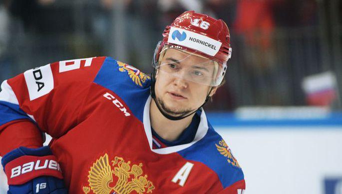 Капитан сборной России по хоккею Сергей Плотников