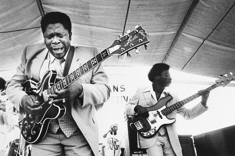 Би Би Кинг во время выступления на церемонии открытия джазового фестивале в Новом Орлеане, 1980 год