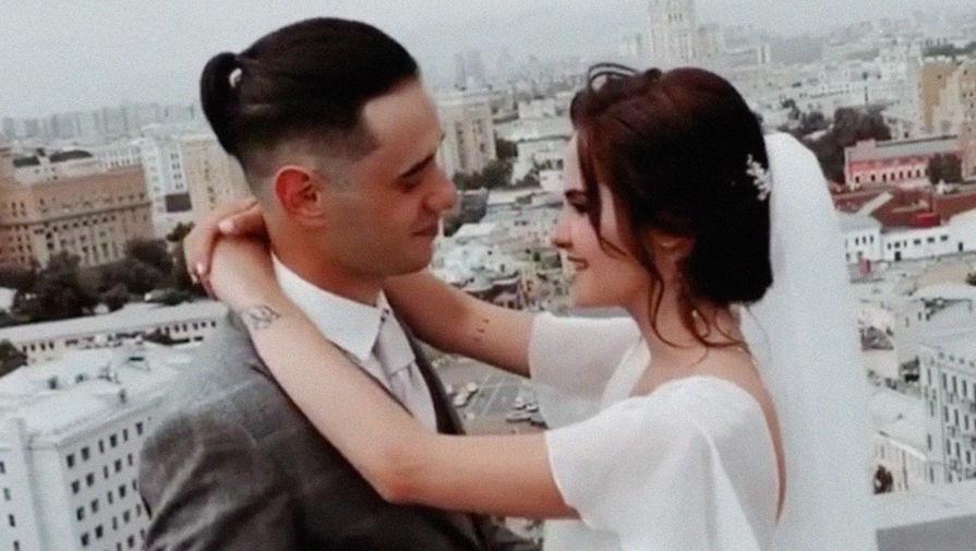 18-летняя дочь Евгения Осина вышла замуж