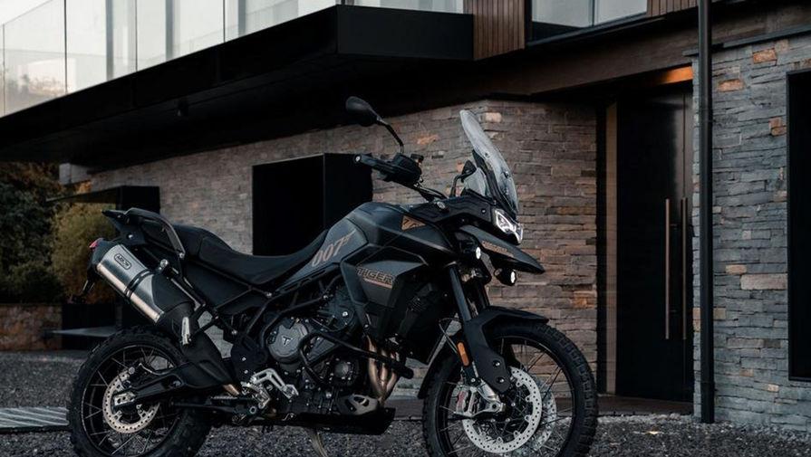 В Triumph рассказали о спецмодели мотоцикла Tiger 900 из нового фильма о Джеймсе Бонде