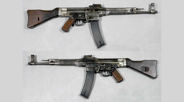 Sturmgewehr 44 напоминает АК только внешне