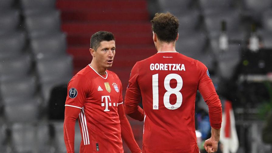 Роберт Левандовски празднует гол в матче «Бавария» — «Лацио»