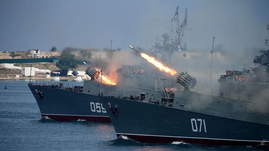 Малый противолодочный корабль МПК-49 («Александровец») и малый противолодочный корабль МПК-118 («Суздалец»)