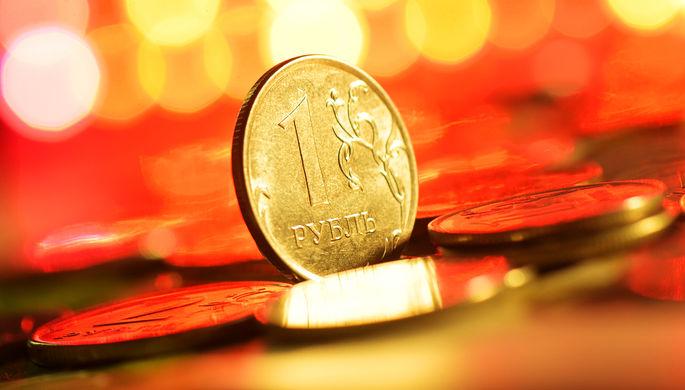 Риски и прогнозы: чего ждать от цен на нефть и курса рубля