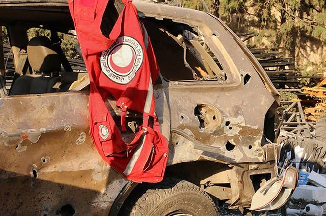 Жилет с символикой Сирийского Арабского Красного Полумесяца