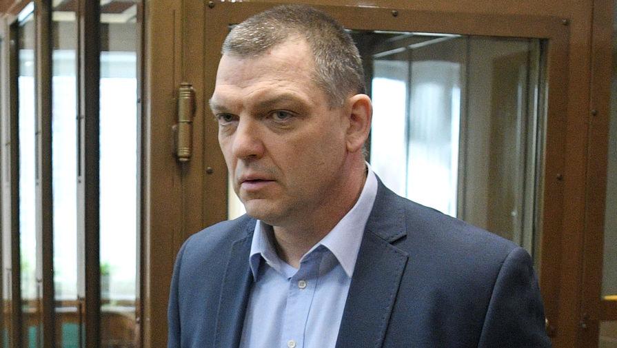 Экс-владелец фабрики «Меньшевик» Илья Аверьянов, оправданный присяжными по делу об убийстве охранника, перед оглашением приговора в Московском городском суде, 10 февраля 2020 года