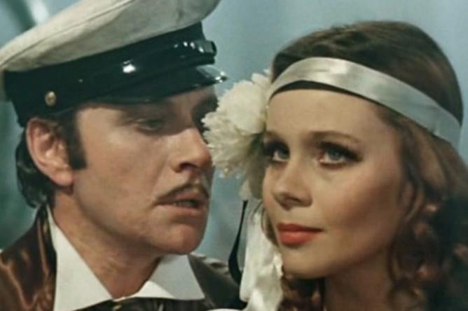 Андрей Миронов и Любовь Полищук. Кадр из фильма «12 стульев» (1976)