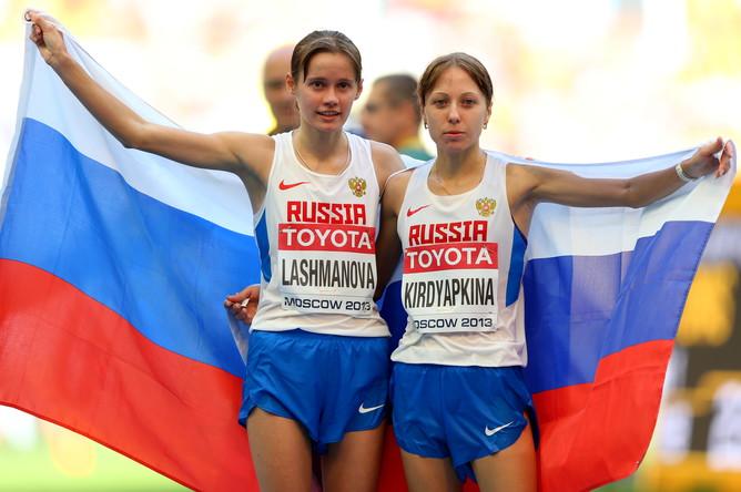Елена Лашманова и Анися Кирдяпкина (справа) подарили россиянам золотой дубль в ходьбе