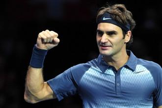 Швейцарец Роджер Федерер вслед за Станисласом Вавринкой вышел в полуфинал итогового турнира ATP