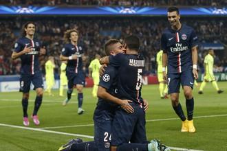 ПСЖ нанес первое поражение «Барселоне» под руководством Луиса Энрике и испортил рекордный матч Хави