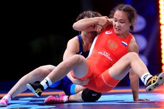 Российские спортсменки заняли 12-е место в общем медальном зачете на чемпионате мира по спортивной борьбе в Париже