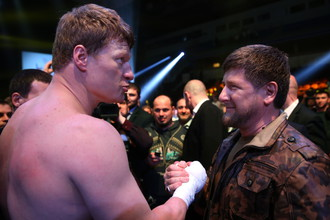 Рамзан Кадыров (справа) и боксер Александр Поветкин