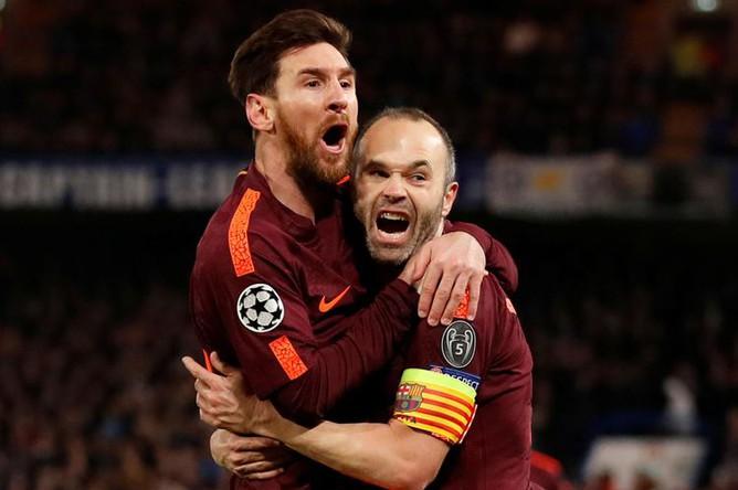 Лионель Месси и Андрес Иньеста на матче ФК Барселона—Челси, 2018 год