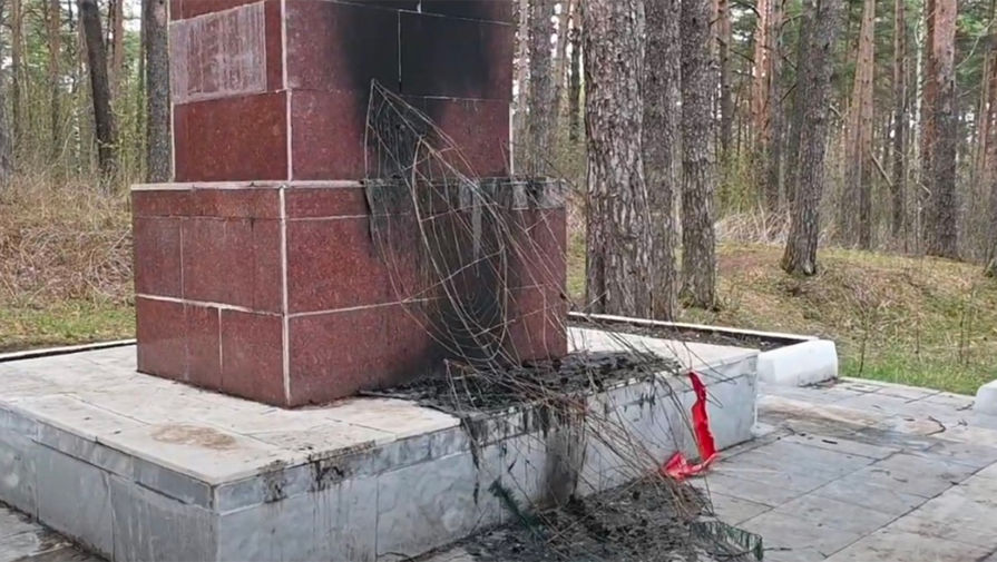 В Прикамье осквернили памятник воинам-железнодорожникам