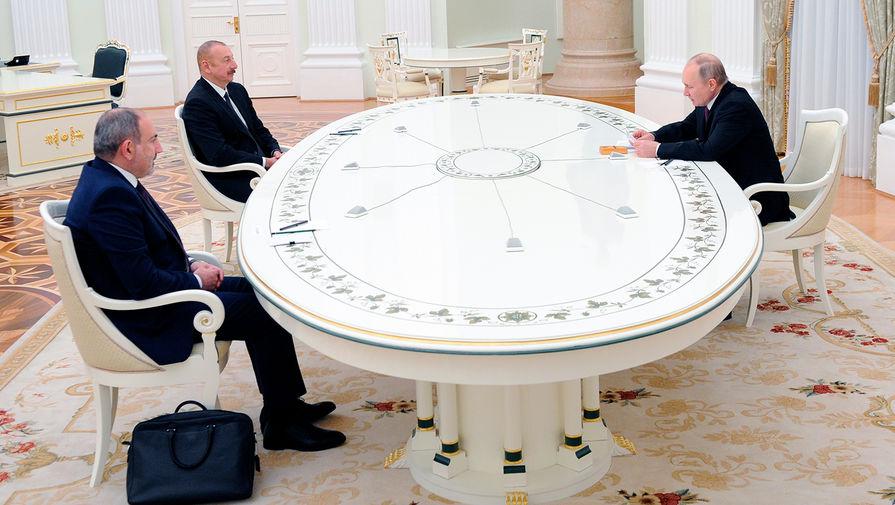 Путин подвел итоги трехсторонних переговоров по Карабаху