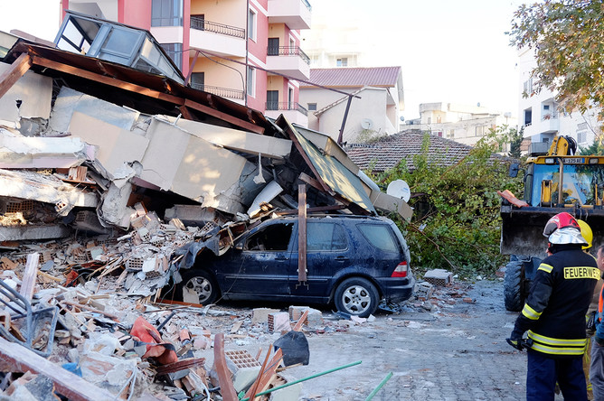Последствия землетрясения в албанском городе Дуррес, 26 ноября 2019 года
