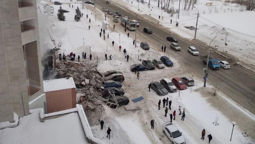 В Нижнем Новгороде после взрыва газа в жилом доме начался пожар