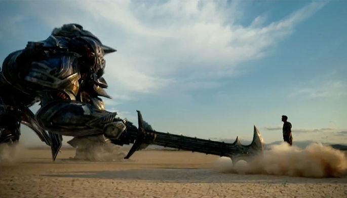 Кадр из фильма «Трансформеры: Последний рыцарь» (2017)