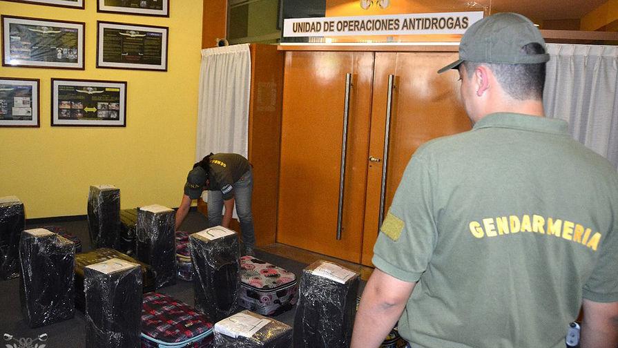 В крематории в Аргентине сожгли почти 400 кг кокаина из посольства России