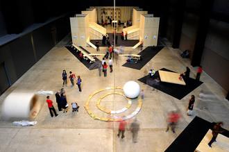Российским музеям есть куда стремиться — например, к технической оснащенности и интерактивности лондонской «Тейт Модерн»