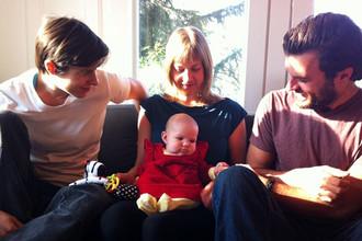 В Канаде родителями ребенка официально признаны три человека, что стало возможно благодаря новому законодательству