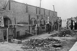 Печи, где сжигали узников концентрационного лагеря Майданек. В лагере было умерщвлено около 80 000 заключенных, из них евреев 60 000