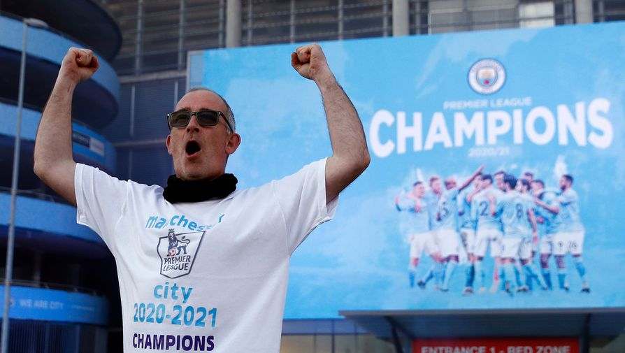 Фанат «Манчестер Сити» отмечает чемпионство клуба