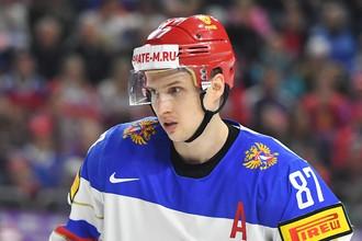 Игрок сборной России Вадим Шипачев в матче группового этапа чемпионата мира по хоккею 2017 между сборными командами Италии и России.