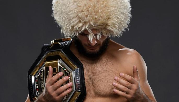 Хабиб вернулся в Россию с поясом UFC