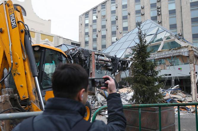 Снос торгового центра «Пирамида» у станции метро «Пушкинская»