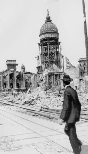 Улицы разрушенного землетрясением и пожаром Сан-Франциско, 18 апреля 1906 года