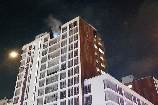 Последствия возгорания на последнем этаже жилого дома в подмосковной Балашихе, 24 января 2019 года