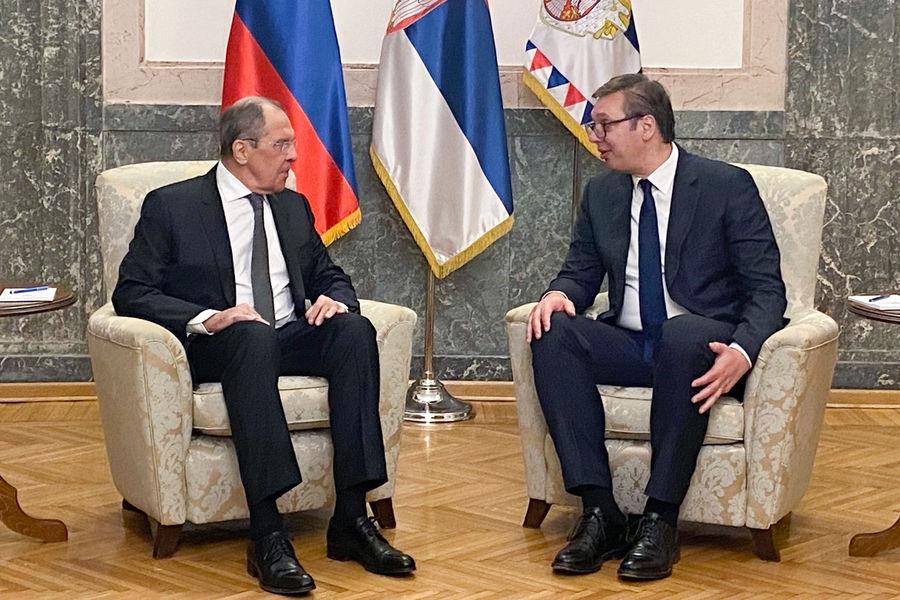 Глава МИД РФ Сергей Лавров и президент Сербии Александр Вучич во время встречи вБелграде, 10октября 2021года
