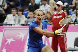 Светлана Кузнецова проиграла Елене Янкович в решающем матче1/2 финала Кубка Федерации