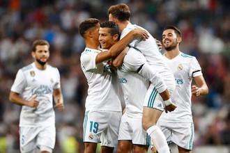 Криштиану Роналду празднует гол в ворота «Фиорентины» в товарищеском матче за Трофей Сантьяго Бернабеу
