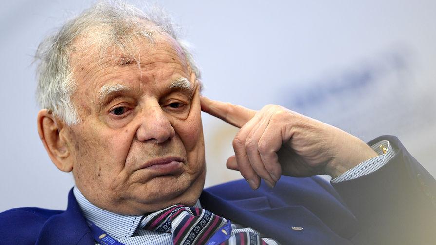 Академик РАН Жорес Алферов попал в больницу с подозрением на инсульт