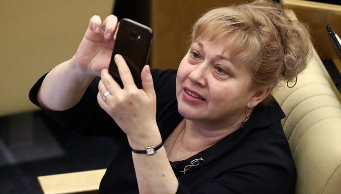 Член комитета по культуре Госдумы Р Светлана Савченко на пленарном заседании Госудумы