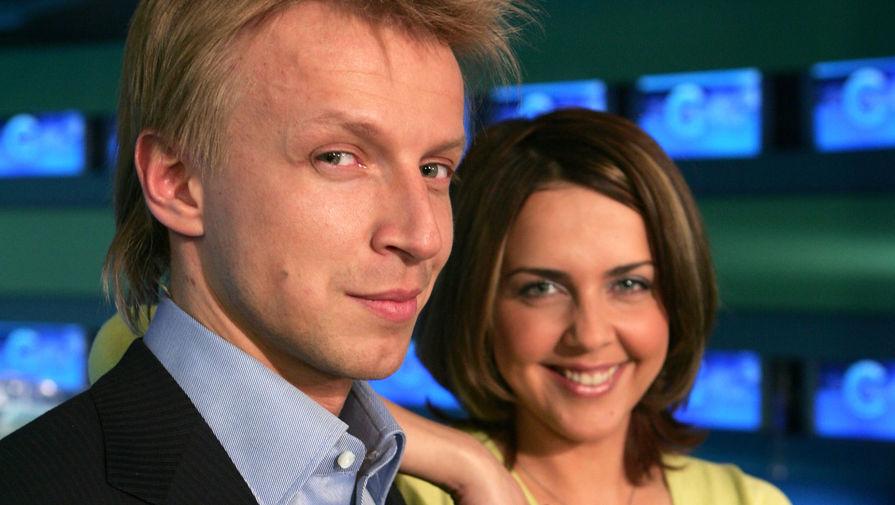 Ведущие программы «Утро» на НТВ Ольга Шелест и Антон Комолов, 2004 год