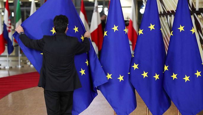 Деньги закончились: Европе надоело кормить Прибалтику