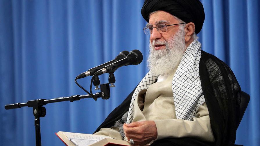 Высший руководитель Ирана Али Хаменеи во время мероприятия Тегеране, 17 сентября 2019 года