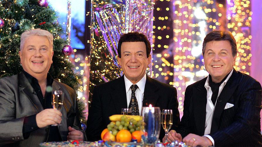 Артисты Владимир Винокур, Иосиф Кобзон и Лев Лещенко (слева направо) во время съемок новогодней программы