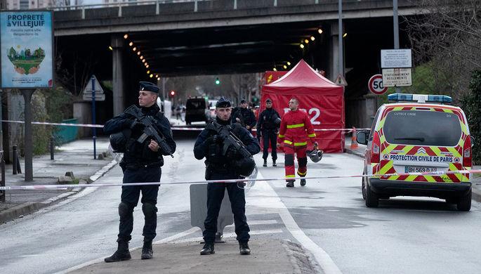 Ситуация на месте нападения мужчины с ножом на прохожих во французском Вильжюифе, 3 января 2020 года