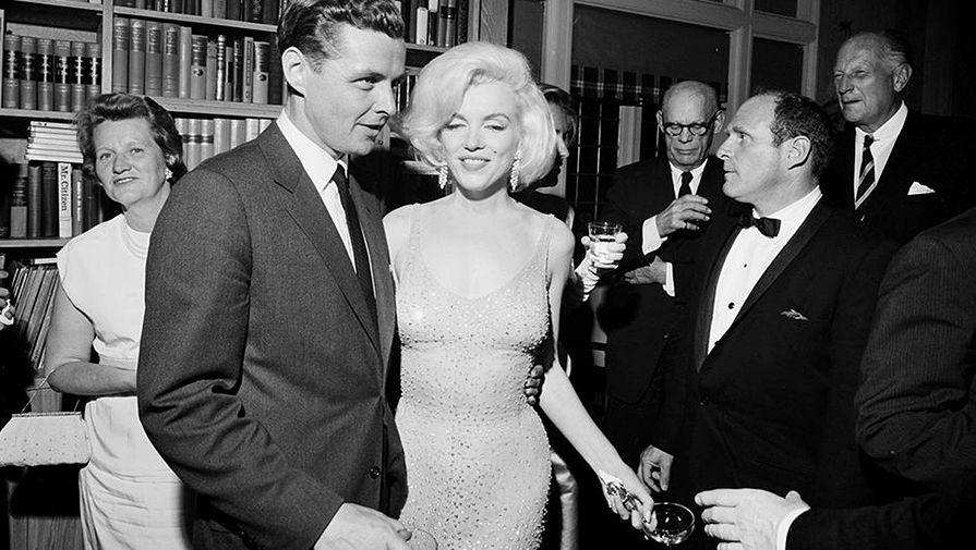 Мэрилин Монро и Стив Смит, муж сестры Джона Кеннеди, в Нью-Йорке, 19 мая 1962 года