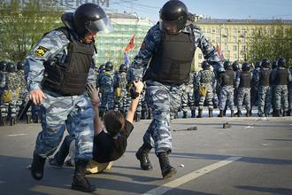 Уголовное дело в отношении 12 участников акции на Болотной площади в Москве 6 мая 2012 года направлено в суд