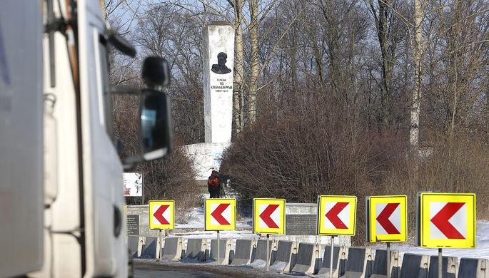 Памятник дважды Герою Советского Союза генералу Ивану Черняховскому, погибшему при освобождении Польши