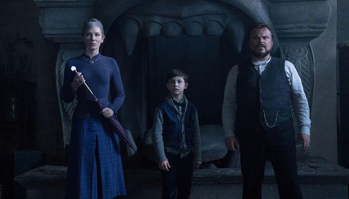 Кадр из фильма «Тайна дома с часами» (2018)