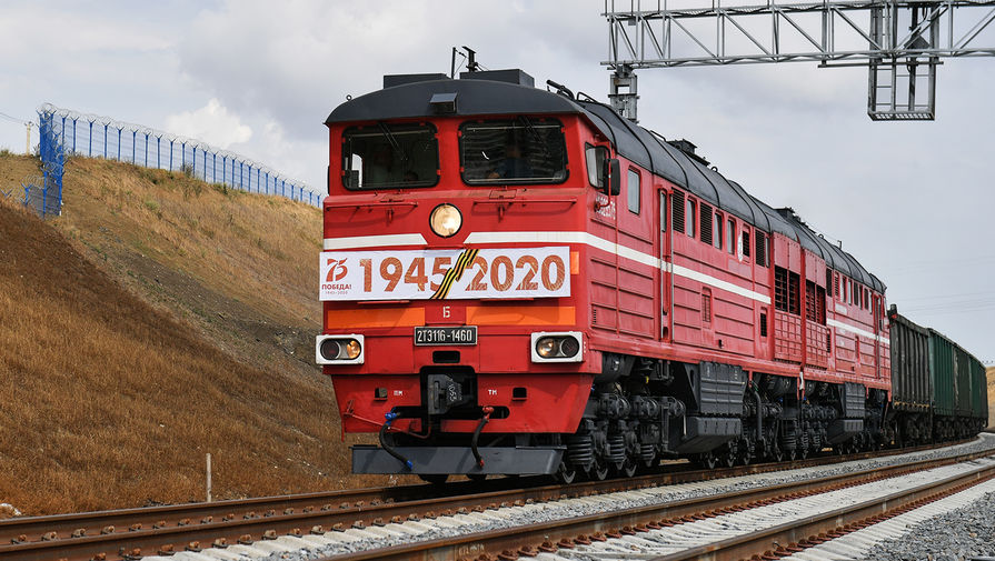 Freight train at the entrance to the Crimean bridge, June 30, 2020