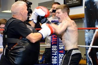 Рикки Хаттон возвращается в большой бокс