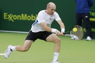 Давыденко вышел в четвертьфинал турнира в Дохе